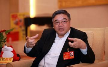 朱永新:希望教育部门蹲下身看看民间的探索